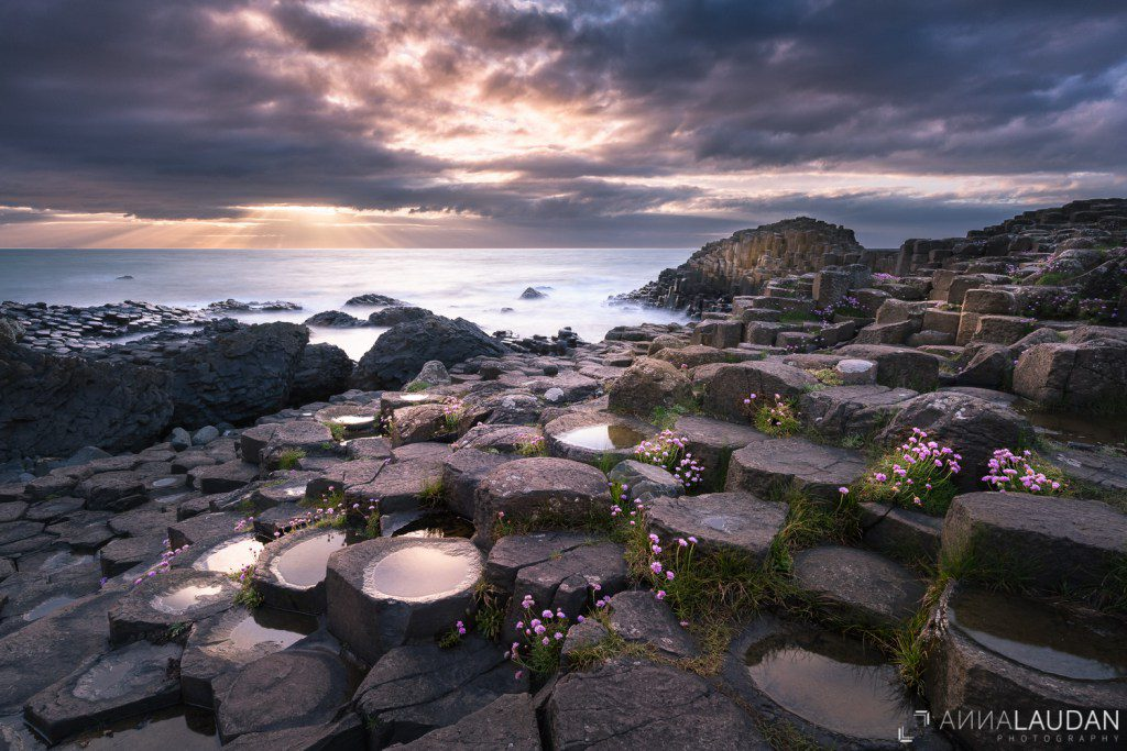 Sunset-at-the-Giants-Causeway