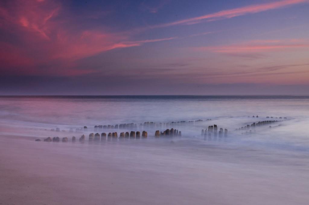 Mein Lieblingsbild hab ich im Mai auf Sylt kurz nach Sonnenuntergang in Rantum/Sylt aufgenommen. Leider war die Flut früher da als erhofft, aber das Licht war der Hammer - Tom MirrorMountain