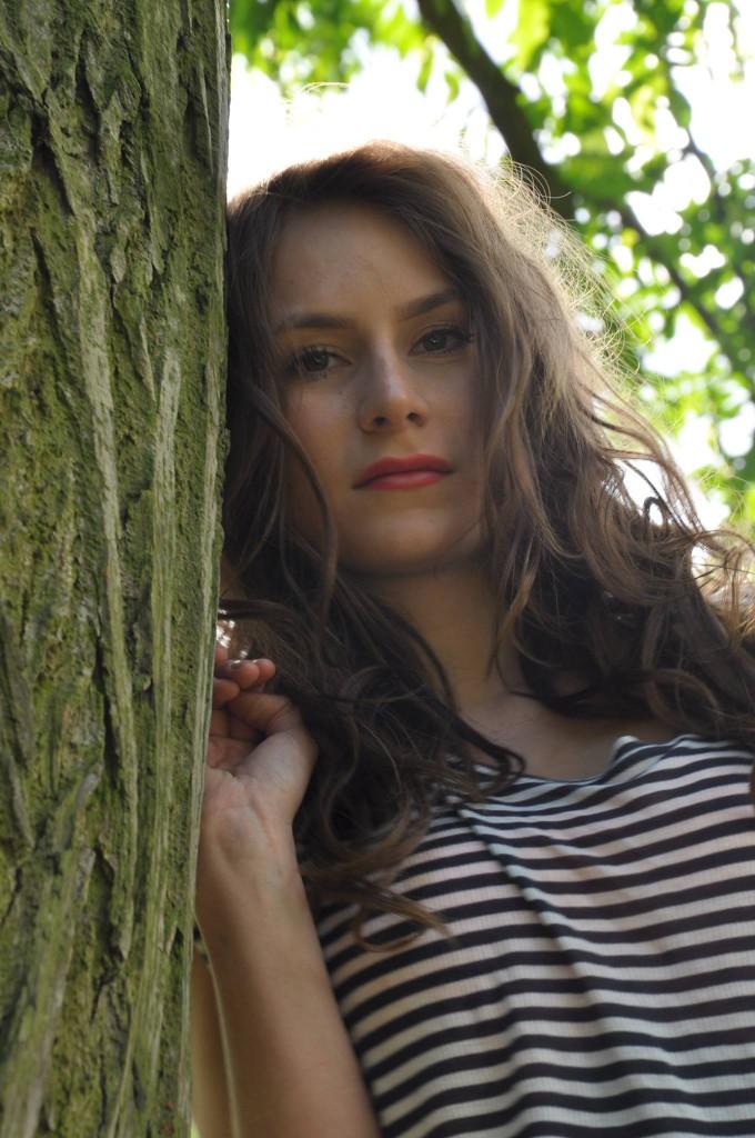 Mein Foto des Jahres ist von Aylin. Im Frühjahr habe ich beschlossen mich in der Portrait/Fashion Fotografie zu versuchen... Es sind unheimlich viele Bilder bei meinem ersten Shooting mit Aylin im Planten un Blomen entstanden. Meine größte Angst war, dass nicht ein einziges gutes Bild entstehen könnte - Katja Görne